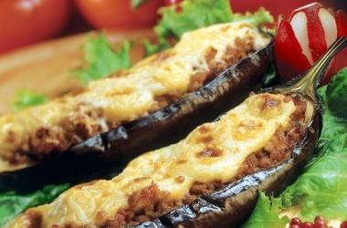 Баклажаны фаршированные рубленым мясом (рецепт)