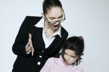 Конфликт ребенка с учителем: что делать?