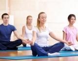 Вечерняя йога: 10 упражнений для гармонии твоего тела