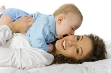 Как ребенок узнает лицо матери?