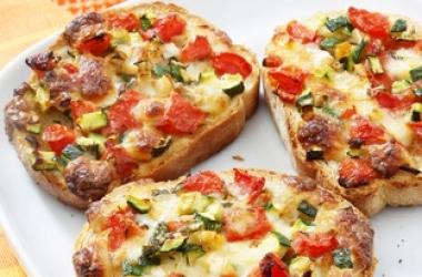 Вкусный завтрак: овощные гренки (рецепт)