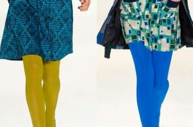 Как модно носить цветные колготы этой весной