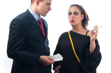 мужчины ходят к проституткам