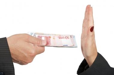 Семейный бюджет: когда не стоит брать кредит в банке?