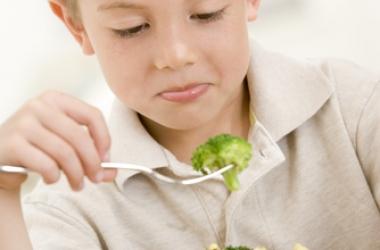 Ребенок не хочет есть: причины