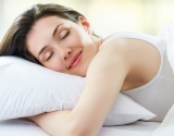 Чем опасна привычка спать на животе