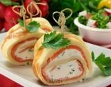 Блинный рулет с семгой: блюда на Масленицу (рецепт, фото)
