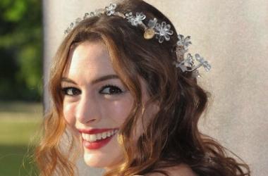Венок из цветов - модный звездный аксессуар для волос (ФОТО)