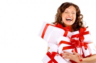 Новый год: сколько денег тратить на подарки?