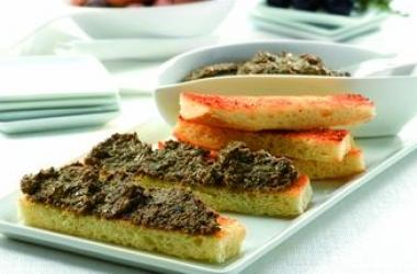 Рецепт оригинальной закуски: тапенада из испанских маслин
