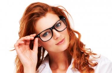 Мейк-ап для женщины, которая носит очки