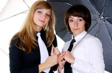 Мужской стиль в женской моде: как завязать галстук? (пошаговое фото)