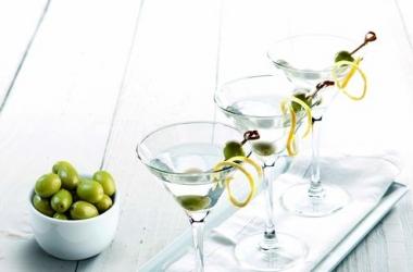 Новогодний коктейль с сухим мартини