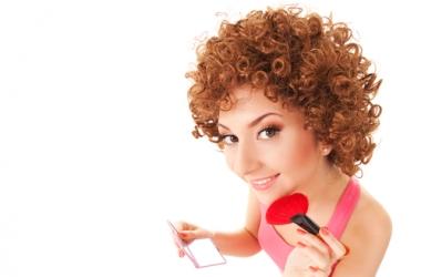 Секреты макияжа: как наносить розовые тени