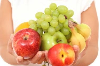 Свежие фрукты – залог красоты