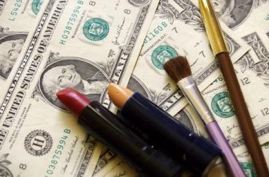 Семейный бюджет: как сэкономить на косметике?
