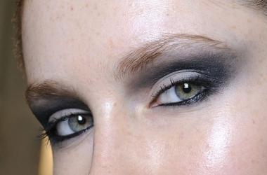Праздничный макияж: серый смоки айс. Мастер класс (фото)