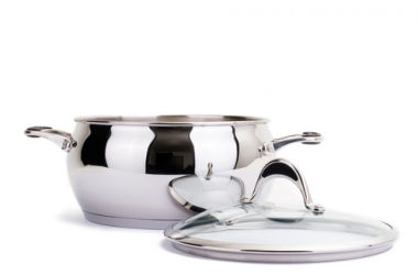 Как почистить металлическую посуду