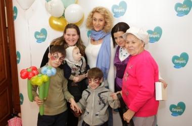 Снежана Егорова и Маричка Падалко объединили мам в борьбе со столбняком