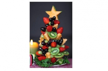 Новогодние рецепты: елочка из фруктов