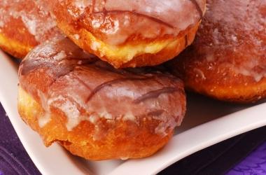 Выпечка на новогодний стол: знаменитые пончики 'Донатс'