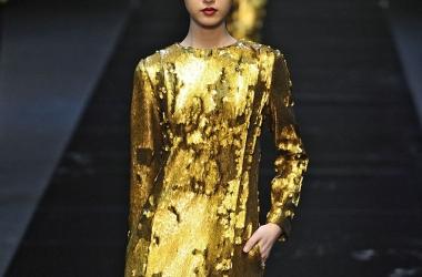 Модные идеи: блестящее платье на Новый год (фото)