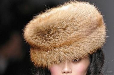 Модные головные уборы зимы 2013 (фото)