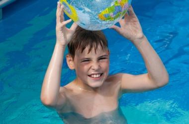 Плавание  делает ребенка умнее: австралийские ученые