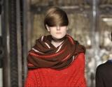 Мода 2013: оригинальные способы носить шарф-хомут (видео)