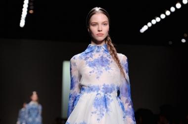 Цветочные и кружевные платья от Valentino (фото)