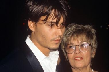 Идеальные свекрови: актеры-красавцы и их мамы (фото)