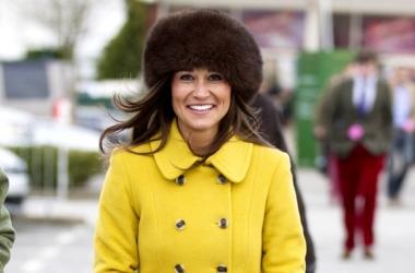 Модная фишка: Пиппа Миддлтон в мехах на русский манер (фото)