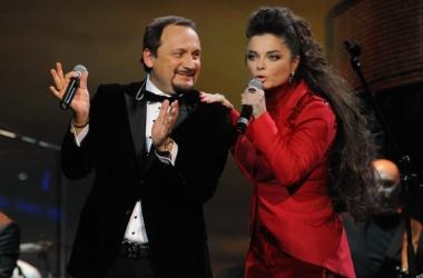 Королева, Лорак, Кароль, Повалий в стильных нарядах на концерте Стаса Михайлова (фото)