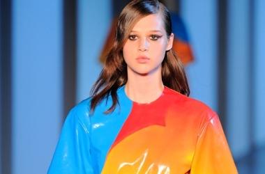 Платья 2013: в тренде сексуальные и кожаные (фото)