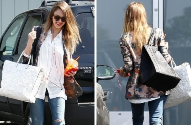 Мода 2013: Звезды выбирают потертые джинсы (фото)
