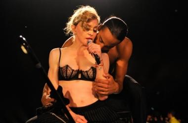 Мадонна не постеснялась вывести в свет юного любовника (фото)