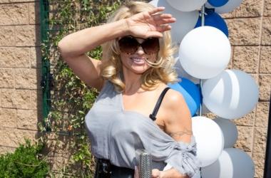 Памелу Андерсон не узнать: модель лишилась розкошных локонов (фото)