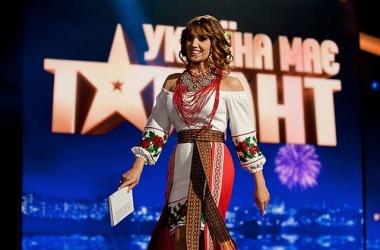 Зрители одели Оксану Марченко: 3 новых образа (фото)