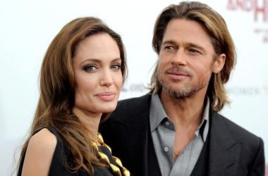 Звездная мамочка Анджелина Джоли показала взрослых сыновей (фото)