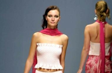 Как модно носить летний шарф