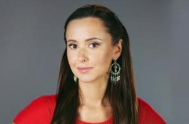 Яна Станишевская показала лицо без макияжа и фотошопа (фото)