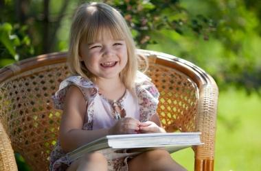 Почему ребенок любит читать одну и ту же книгу