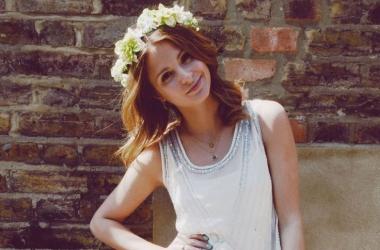 Модный тренд лета: платье невесты и сапоги (фото)