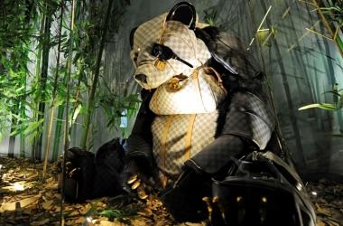 Аксессуары Louis Vuitton стали основой для зоопарка (фото)