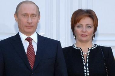 Официальное заявление: Владимир Путин разводится с женой (видео)