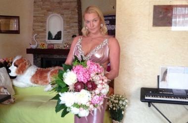 Анастасия Волочкова показала лицо без макияжа (фото)