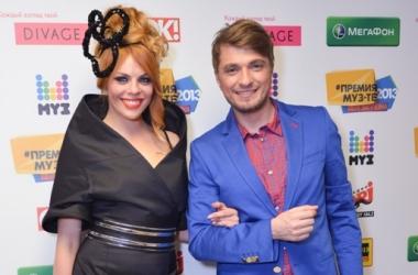 Модный провал: Анастасия Стоцкая опять переборщила с прической (фото)