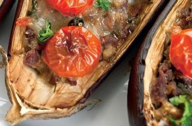 Рецепт дня: фаршированные баклажаны