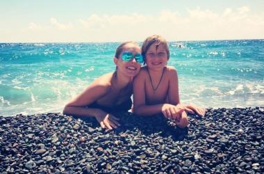 Катя Осадчая показала, как и где провела отпуск с сыном (фото)