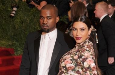 Ким Кардашян после родов вышла в свет – СМИ